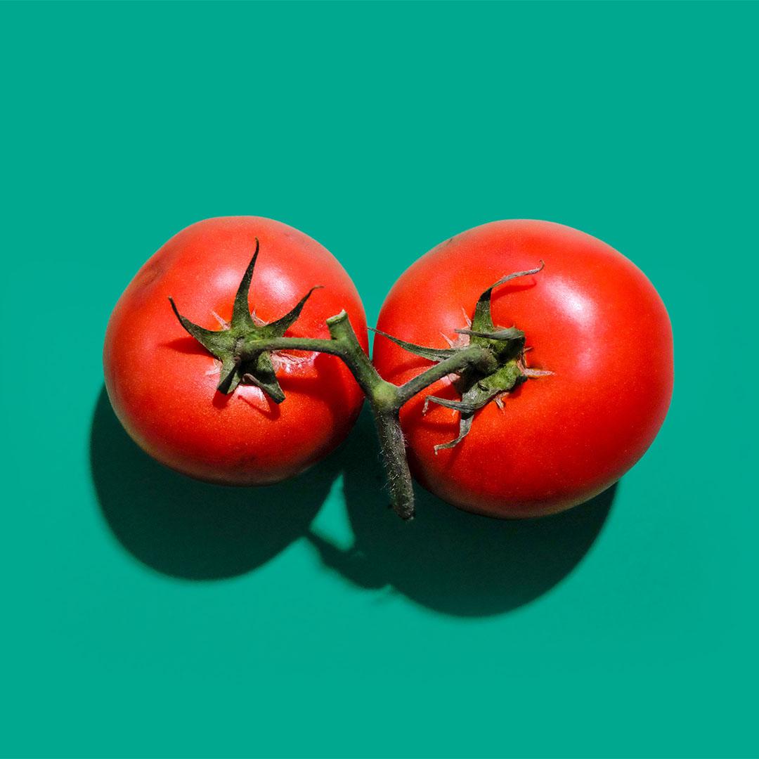 Filiżanka z pomidorem