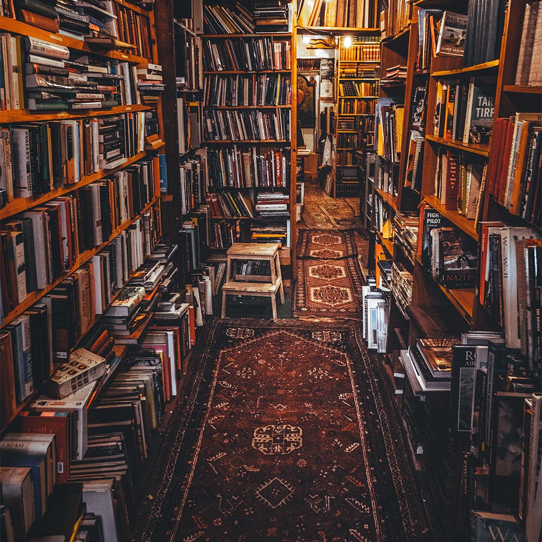 Księgarnie niskich półek